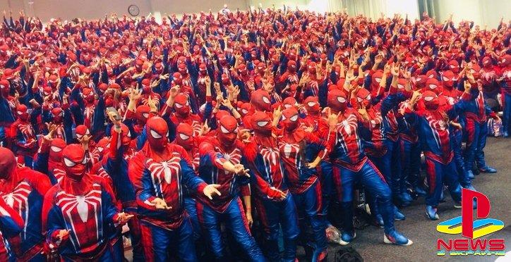На фестивале собрались 547 людей в костюме Человека-пау ...